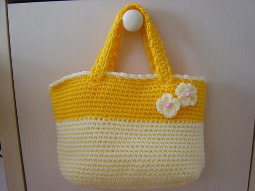 黄色いミニトート